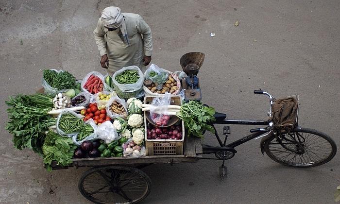 A-vegetable-vendor-in-Ind-014